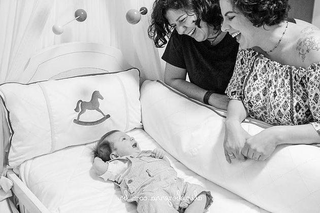 Justiça baiana declara Dupla Maternidade para casal de mulheres